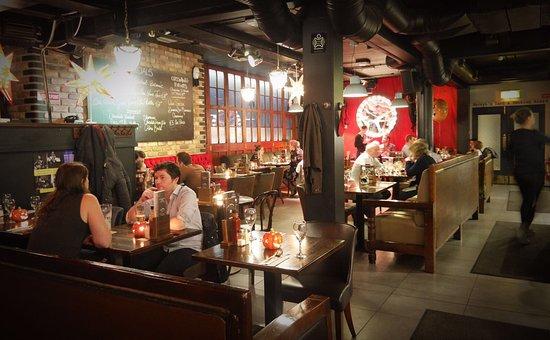Navan, Irlanda: The Central Bar and Restaurant