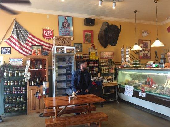 Hamilton, تكساس: Wenzel's Deli