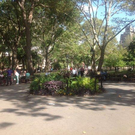 Washington Square Park : Interior of park