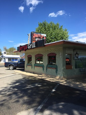 Gardnerville, NV: Exterior of Jerry's