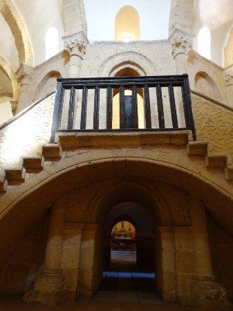 """Iglesia de la Vera Cruz: """"Pillar"""" and entrance to te upper chaptel"""