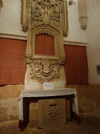 Iglesia de la Vera Cruz: Altar