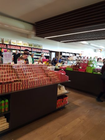 Yarra Glen, Australien: So many different chocolates to buy in the shop
