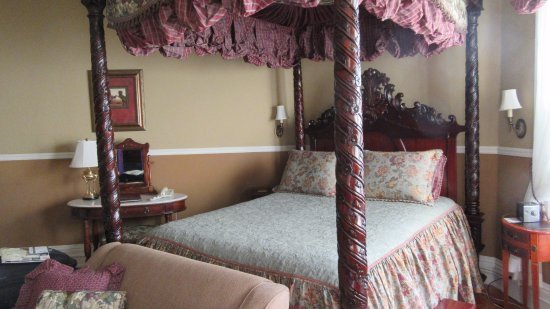 Albemarle Inn: Vanity Fair Room