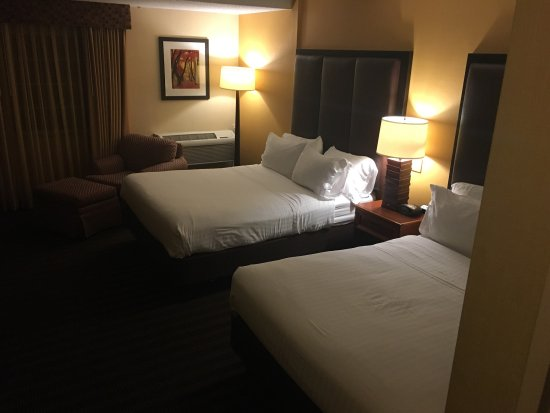 Holiday Inn Express Springfield: photo0.jpg
