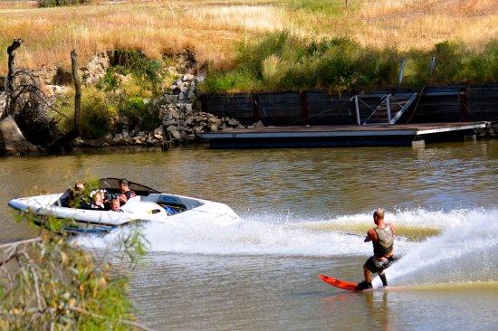 Deniliquin, Austrália: Ski the Edward River