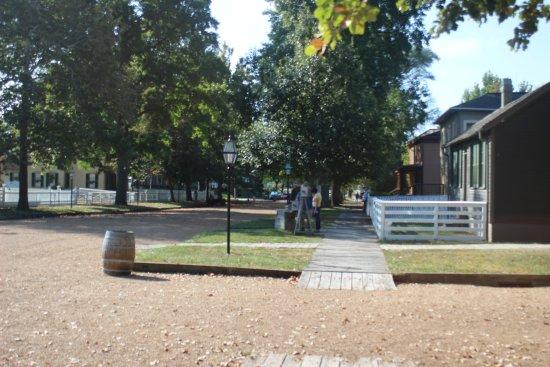 Lincoln Home National Historic Site: Neighborhood