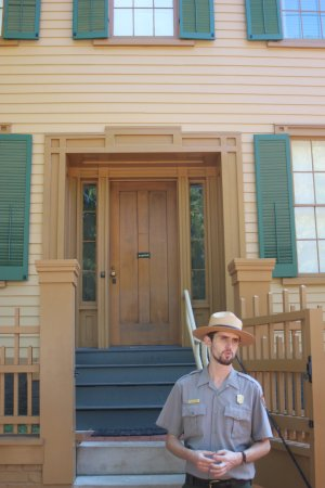 Lincoln Home National Historic Site: Tour Guide