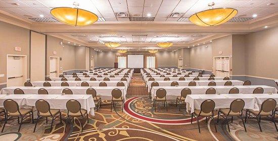 Urbandale, IA: Ballroom Meeting