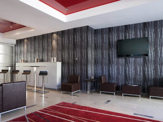 Ibis styles niort centre grand hotel updated 2018 for Hotels niort