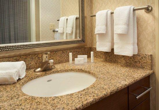 Warren, Мичиган: Suite Vanity Area