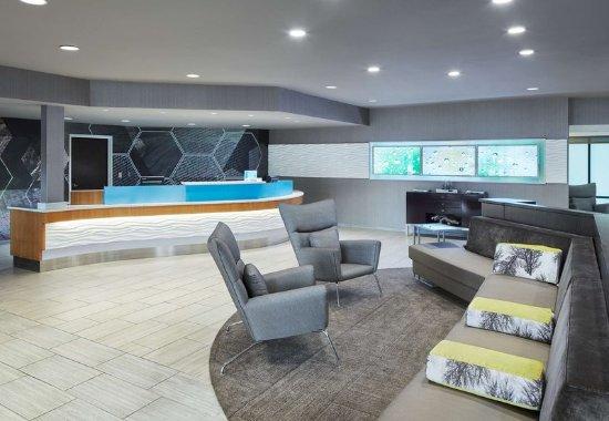 Bolingbrook, Илинойс: Lobby & Front Desk