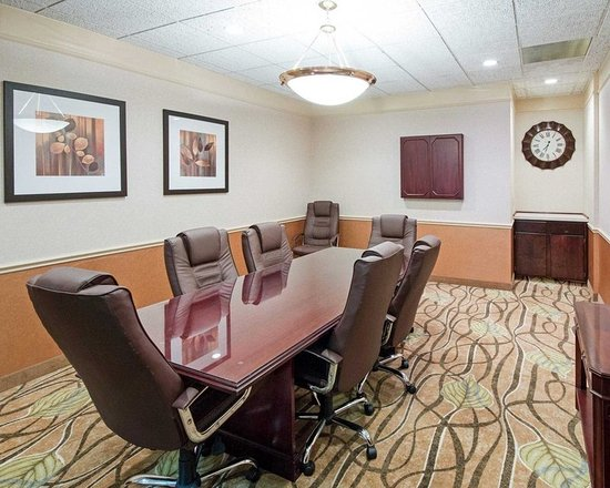 Mineral Wells, WV: Conference room