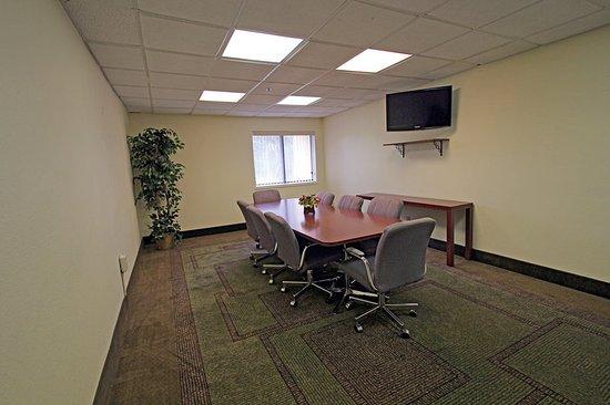 La Quinta Inn & Suites Orlando South: MeetingRoom