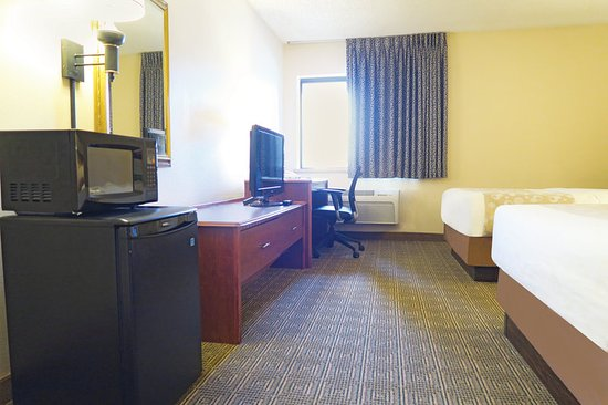 La Quinta Inn Milwaukee Airport / Oak Creek: Guest Room