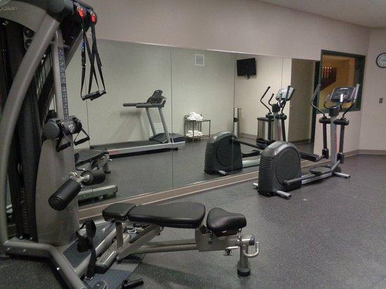 Brooklyn Center, MN: Fitness Room