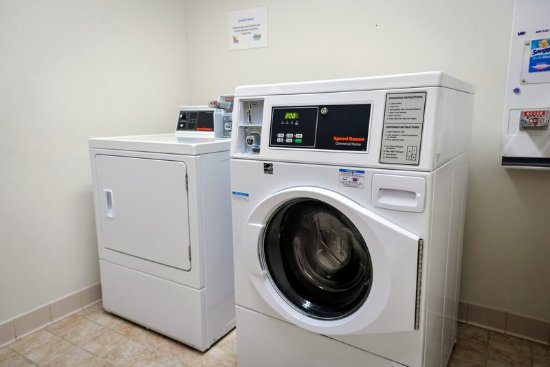 Prince Frederick, MD: Laundry Facility