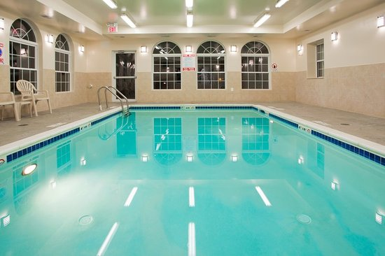 Holiday Inn Express Prince Frederick Swimming Pool