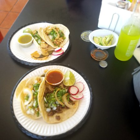 Sun Valley, NV: Chicken and beef street tacos