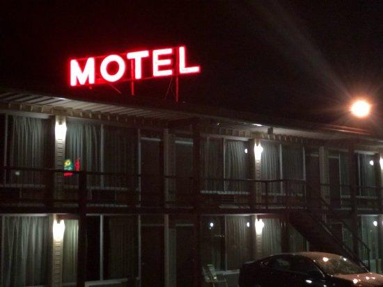 預算主機飯店照片