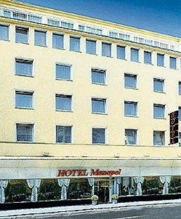 Monopol Hotel : Front