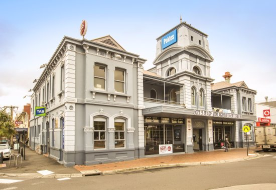 Oakleigh Junction Hotel