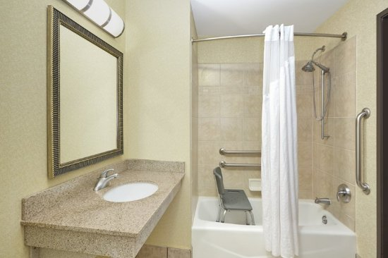 Verona, WI: ADA/Handicapped accesible Guest Bathroom with mobility tub