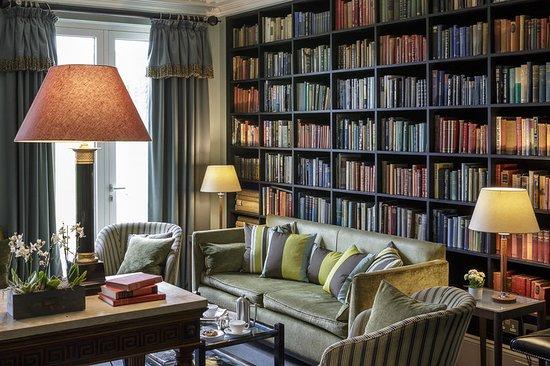 Calne, UK: Library