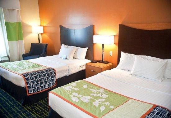 Brookings, SD: Queen/Queen Guest Room