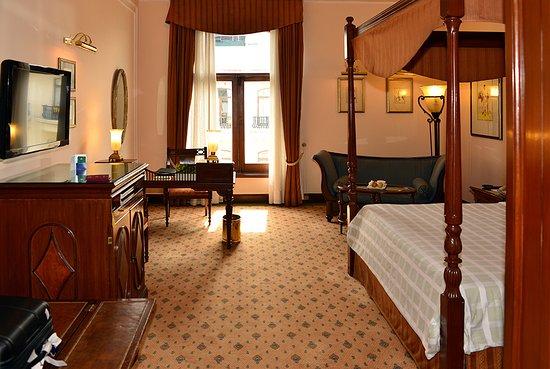 The Oberoi Grand: Premier Room