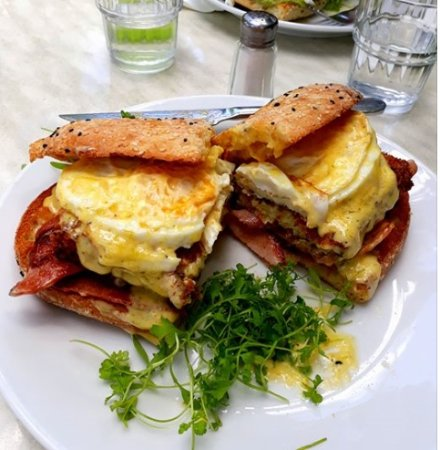 Cafe Valetta: The big boy burger... bacon, eggs, cheese, hash brown filled with mac n cheese, relish, hollanda