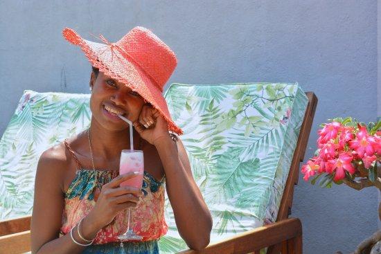 Chez Eugenie: Un cocktail au lait de coco frais, à toute heure.