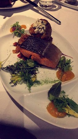 Sparkling Hill Resort: Salmon