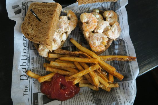 Ellicott City, MD: Shrimp salad and fries