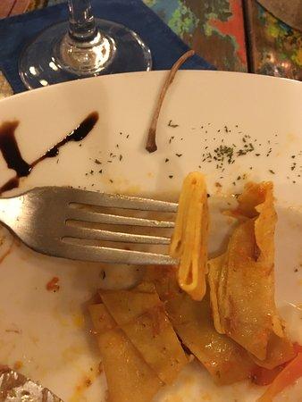 Mediterraneo: Lumps of uncooked pasta