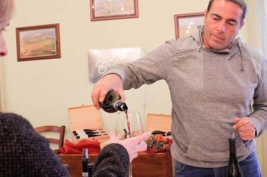 Roddi, Italia: Vieni a bere con noi!