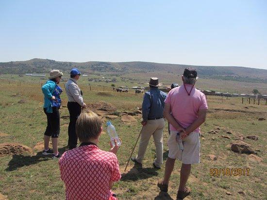 Rorke's Drift, Sør-Afrika: Brian in full flow at Isandlwana