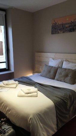 h tel la couronne marmande france voir les tarifs et 7 avis. Black Bedroom Furniture Sets. Home Design Ideas