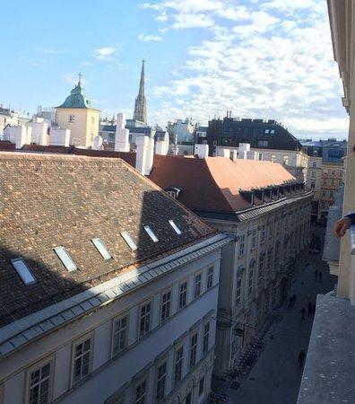 Steigenberger Hotel Herrenhof Wien: Morning view
