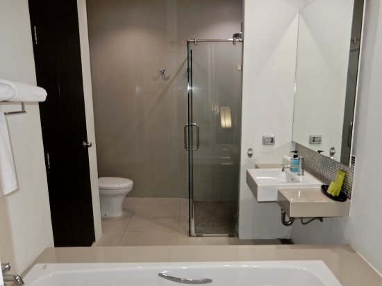 salle de bains - picture of royal view resort, bangkok - tripadvisor - Image Salle De Bains