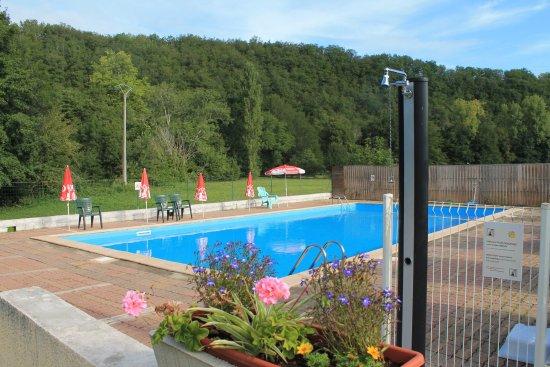 Le Change, France: La piscine d'extèrieure