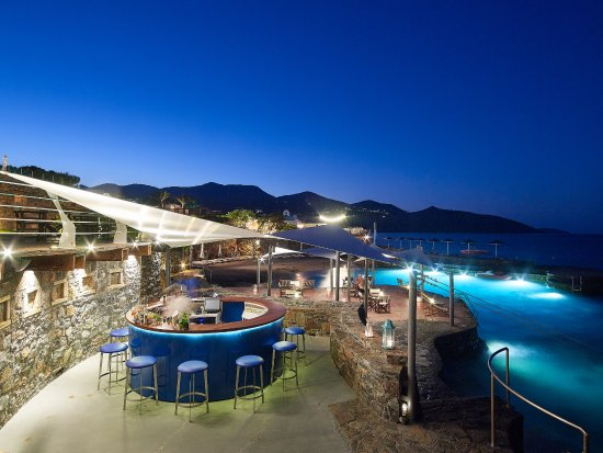 St. Nicolas Bay Resort Hotel & Villas: Jetty Bar