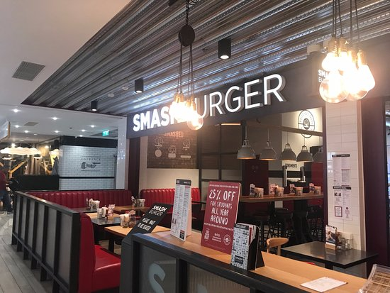 Smashburger Newcastle Lighting Over Booths Creates A Great Ambience