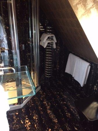 The Crazy Bear Hotel - Stadhampton: Superior room 9 - Bathroom