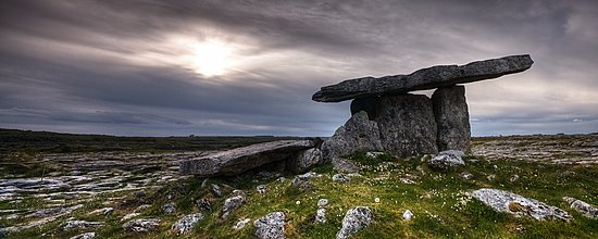Doolin, Ireland: Poulnabrone Dolmen. 5000 year old portal tomb in the Burren Co Clare