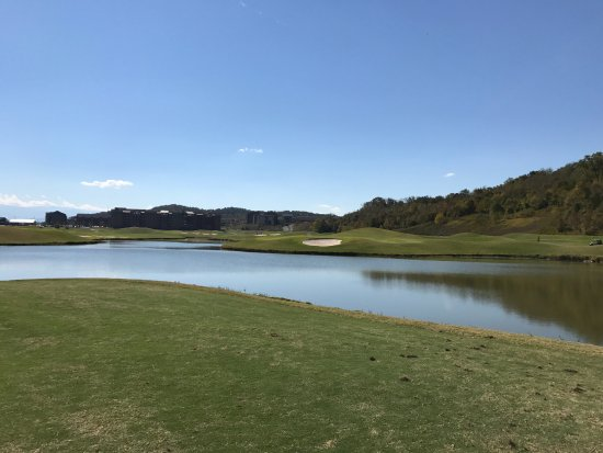 Sevierville Golf Club: hole 17 River Course