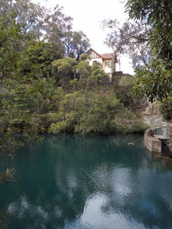 Jenolan Caves, Australia: The scenic Jenolan River Walk