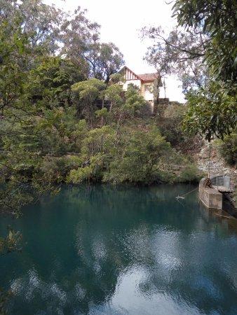 Jenolan Caves, Αυστραλία: The scenic Jenolan River Walk