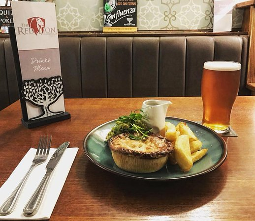 Mawdesley, UK: Pie and a Pint every Wednesday from 5pm