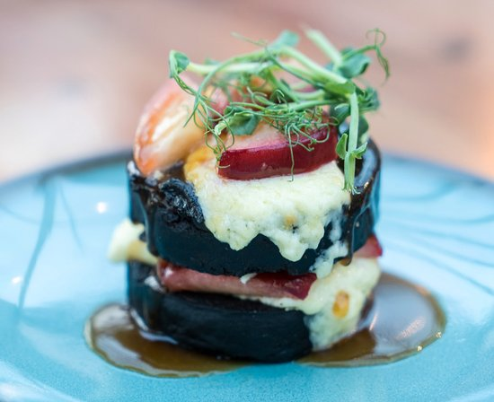 Mawdesley, UK: Black Pudding with caramelised apples, Lancashire cheese and a beef jus